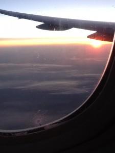 Amanecer en el avión